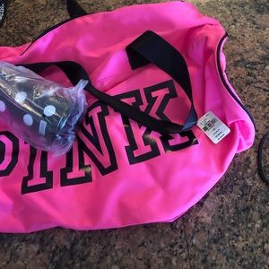 PINK DUFFLE BAG AND WATER BOTTLE NEW